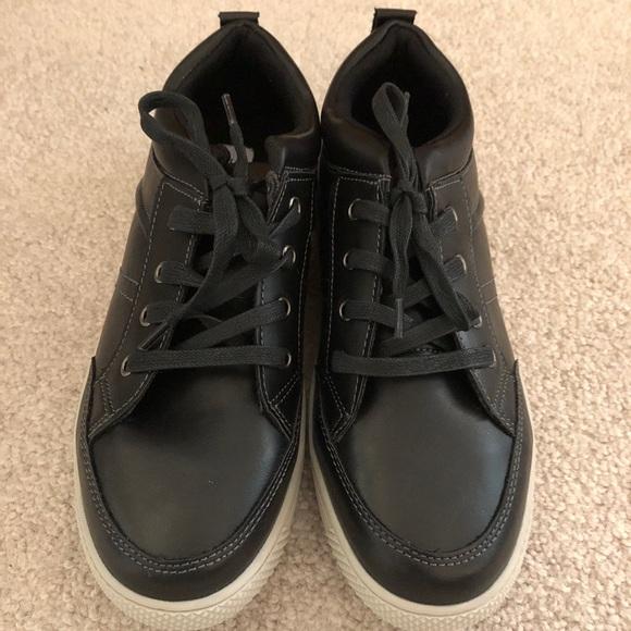 ea0fe2abb83 NEW Youth boys Steve Madden Shoes
